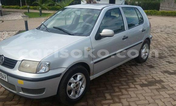 Acheter Occasions Voiture Volkswagen Polo Gris à Nyanza au Rwanda