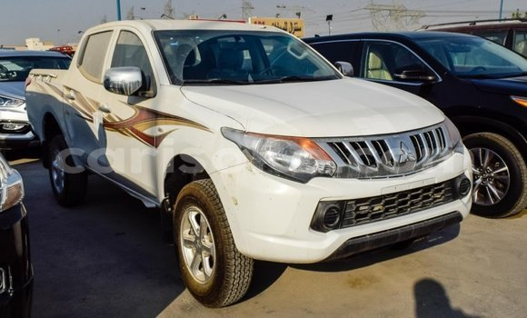 Medium with watermark mitsubishi l200 rwanda import dubai 10411