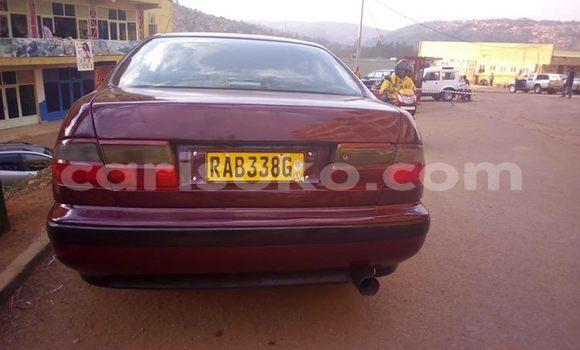 Acheter Occasions Voiture Toyota Carina Rouge à Kigali au Rwanda