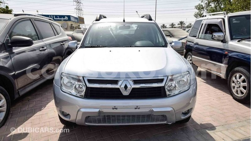 Big with watermark renault duster rwanda import dubai 10637