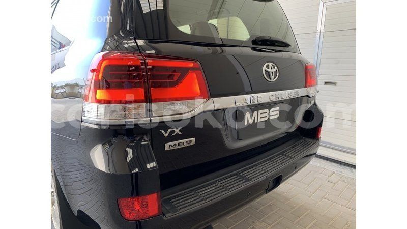 Big with watermark toyota land cruiser rwanda import dubai 10952