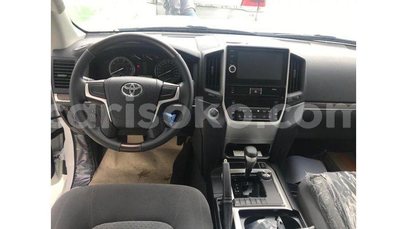 Big with watermark toyota land cruiser rwanda import dubai 11037