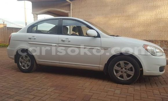 Buy Used Hyundai Accent White Car in Kigali in Rwanda