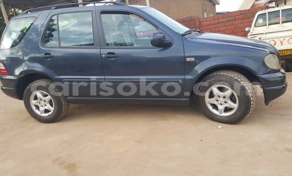 Buy Used Mercedes‒Benz ML–Class Blue Car in Kigali in Rwanda