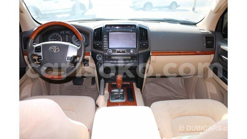 Big with watermark toyota land cruiser rwanda import dubai 11155