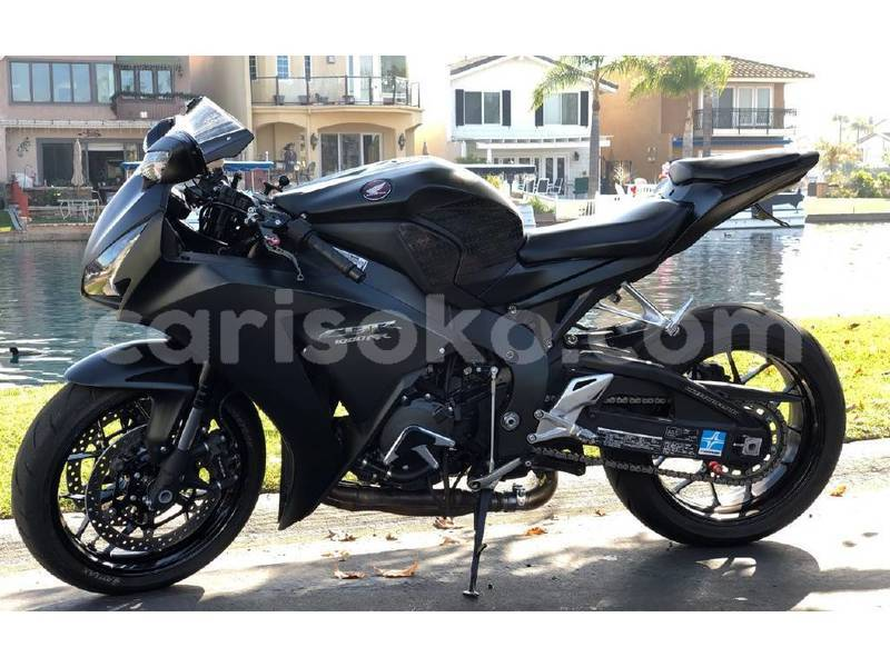 Big with watermark honda cbr 1000 rr rwanda kigali 11336
