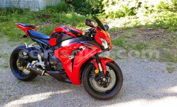 Buy Used Honda CBR Red Bike in Gicumbi in Rwanda