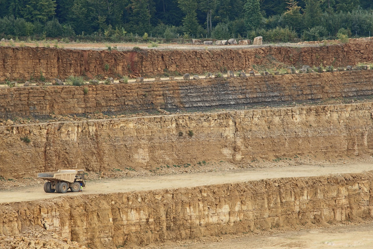 Cement luxembourg quarry mineral limestone 963674